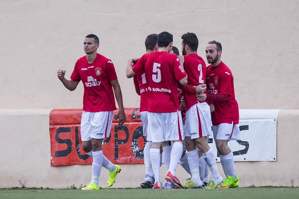 El equipo de Vila celebra el primer gol, obra de Lúa.