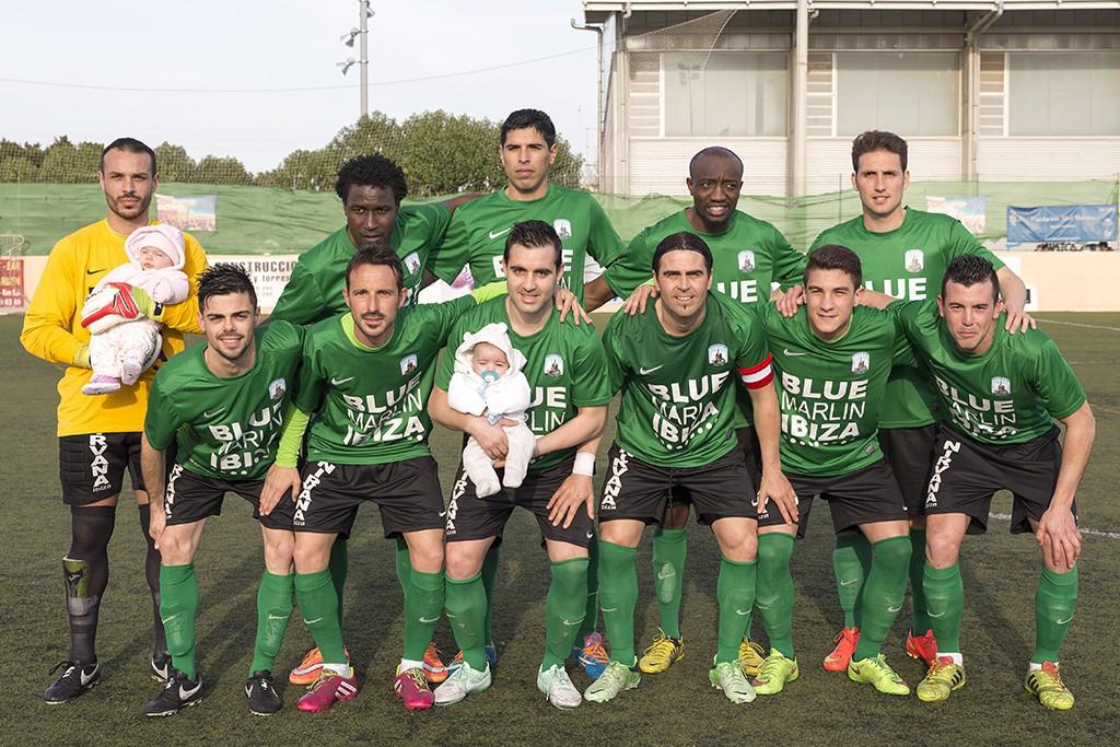 El equipo de Tortosa lidera la liguilla en solitario.