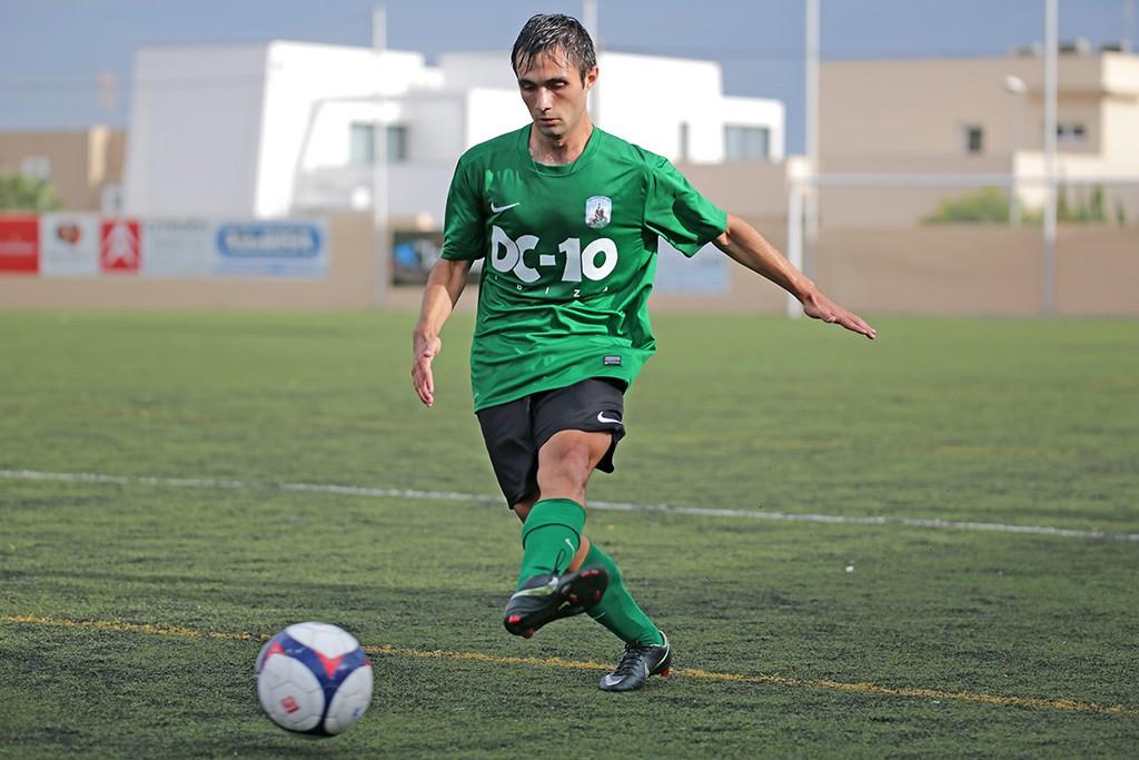 El jugador verdinegro Manu durante un partido de esta temporada.