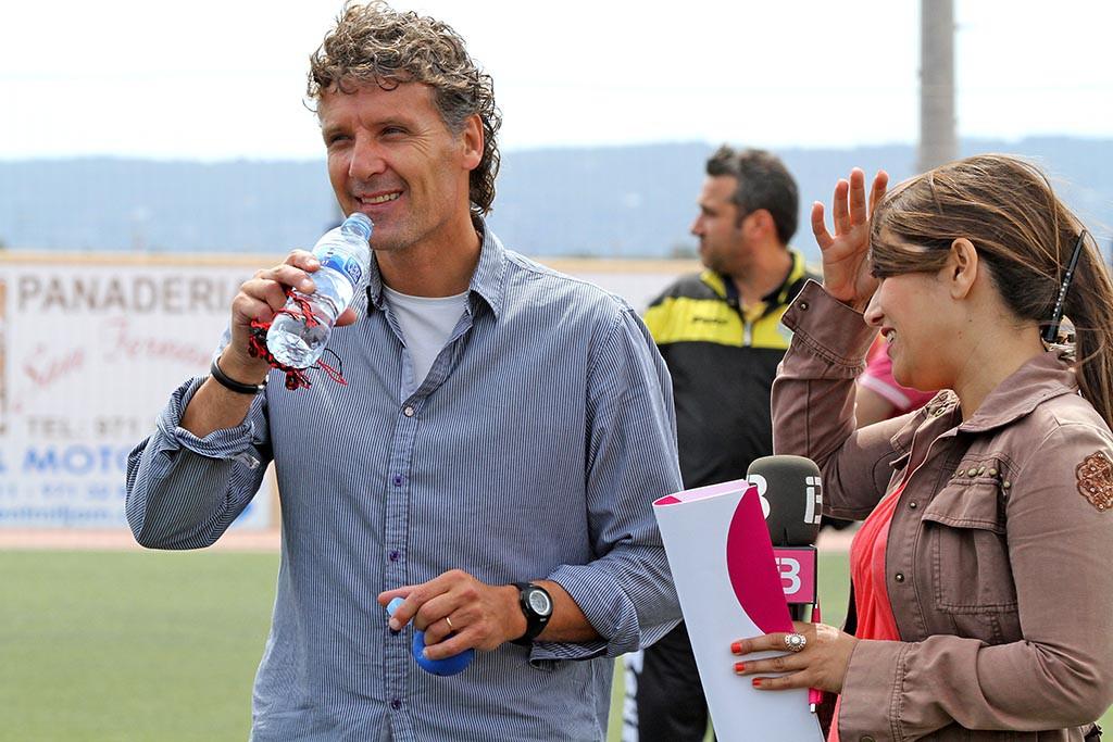 Luis Elcacho, técnico del Formentera.