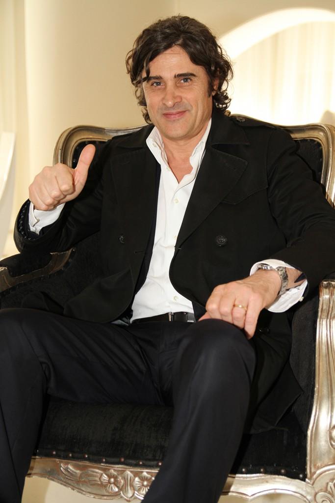 Massimo Anselmi posa para Fútbol Pitiuso con optimismo e ilusión.