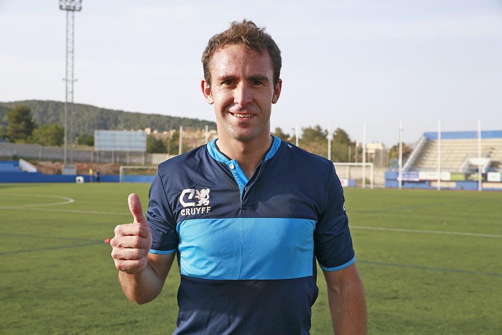 El volante izquierdo, argentino de 29 años, debutó ayer con el Ciudad de Ibiza.