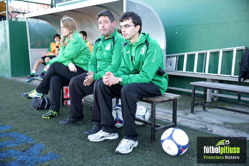 El entrenador del equipo verdinegro confía en sacar al Sant Jordi del pozo de la tabla,