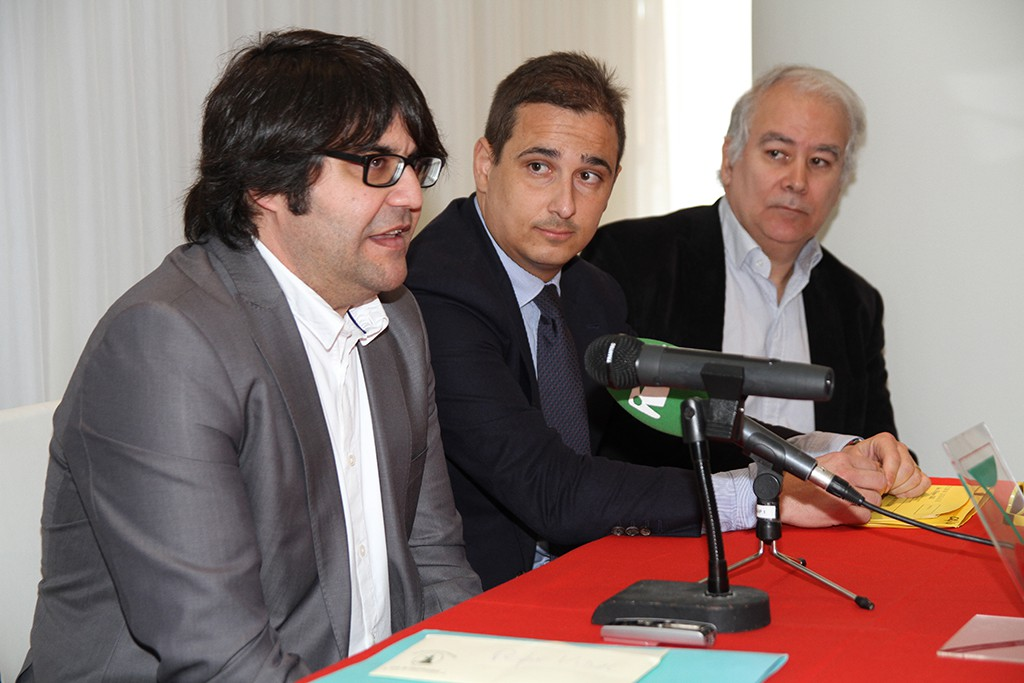 Pepe Vidal, presidente del club ibicenco, a la izquierda de la imagen.