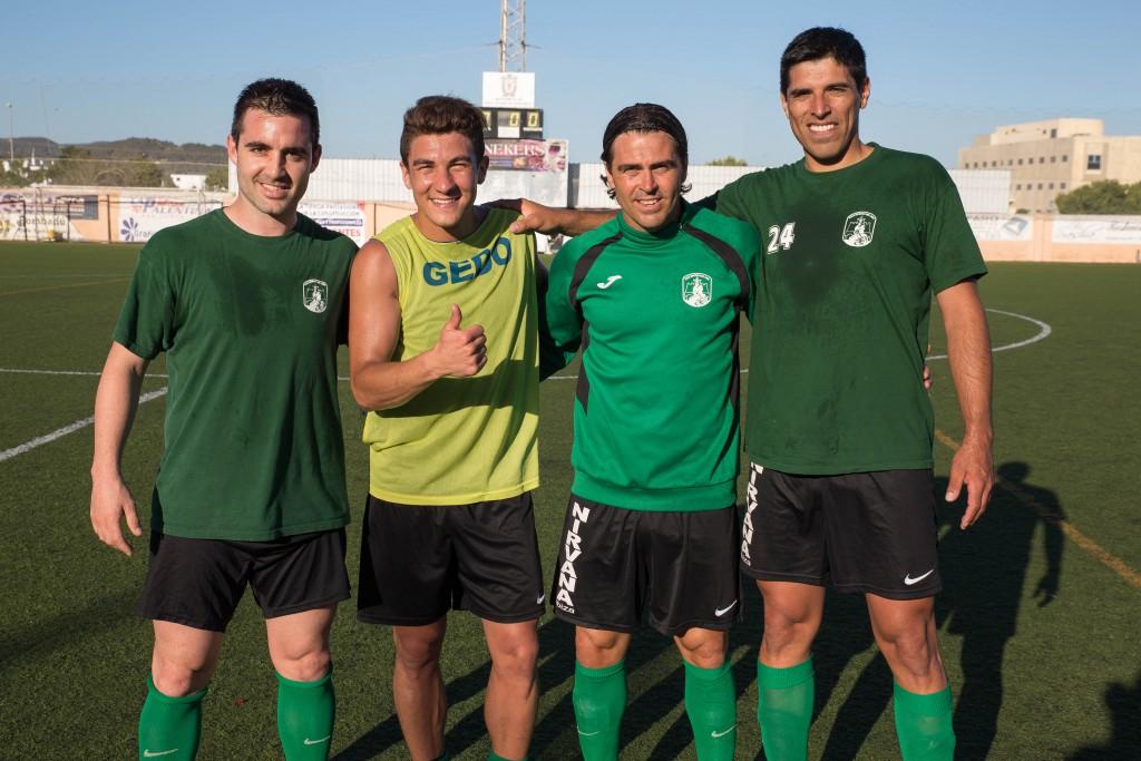 De izquierda a derecha, Titi, Marcos Behar, Diego Romero y Damián Coronel.