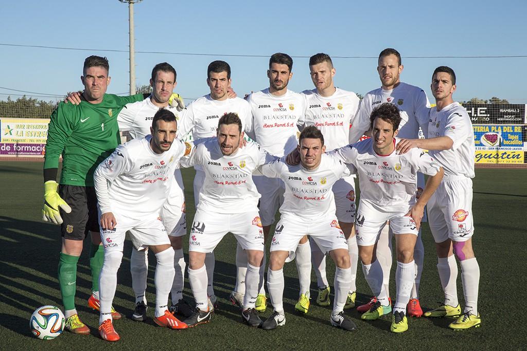 Al equipo blanco le basta un empate o una victoria en Lloseta para llevarse el título de Liga.