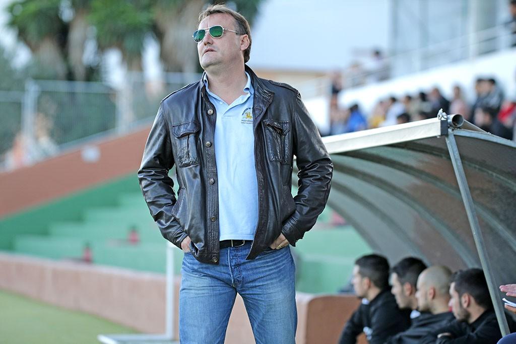 El entrenador de la Peña Deportiva resalta el mérito de su equipo.