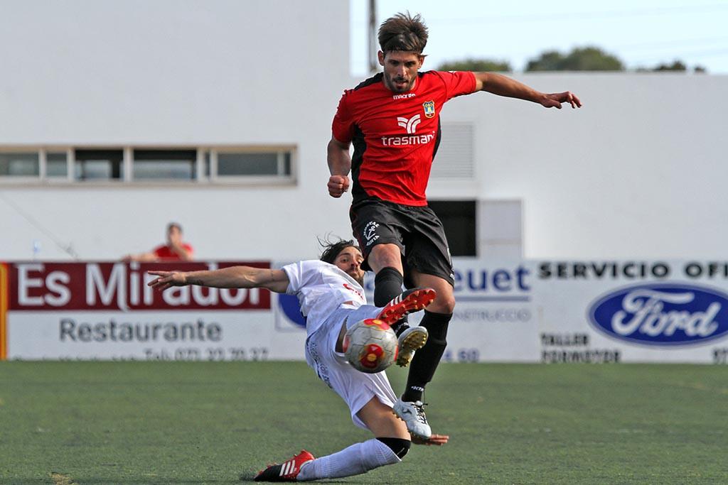 El centrocampista ibicenco Maikel, pieza fundamental en el esquema de Luis Elcacho.