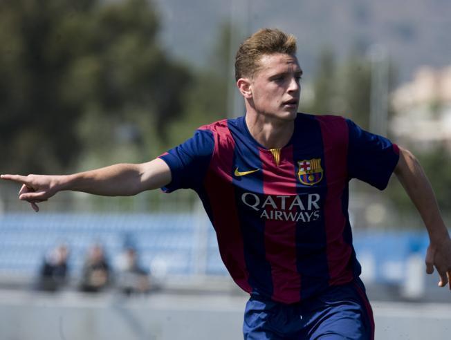 Jordi Tur pide el balón durante el derbi juvenil ante el Espanyol (MANEL MONTILLA - MD)