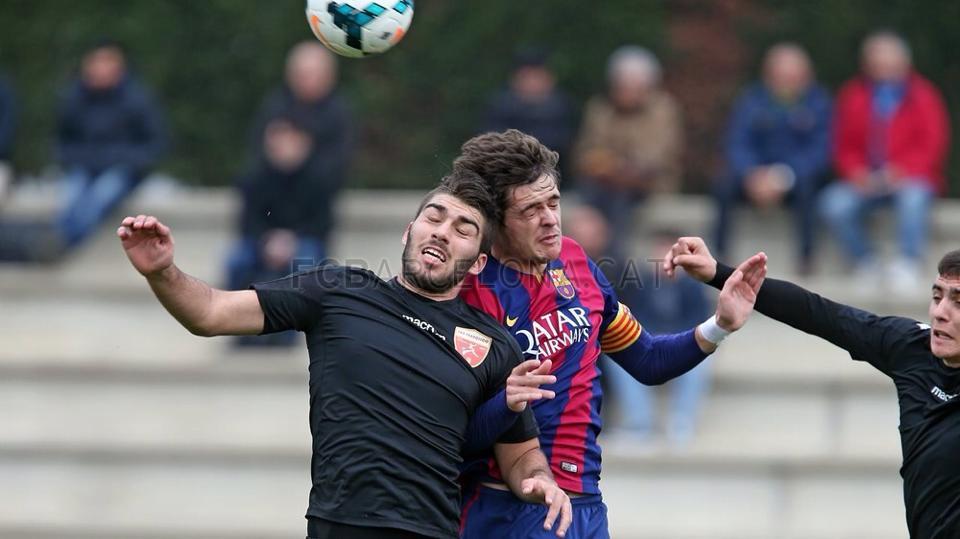 El central ibicenco se enfrentó al Barcelona la temporada pasada.
