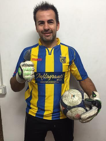 El portero paraguayo posa para Fútbol Pitiuso.