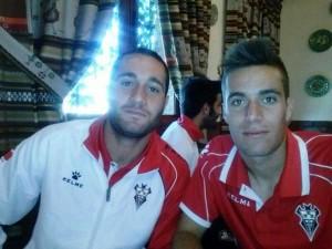 Adrián Carboneras, a la izquierda, nuevo fichaje del San Rafael. Foto: Twitter