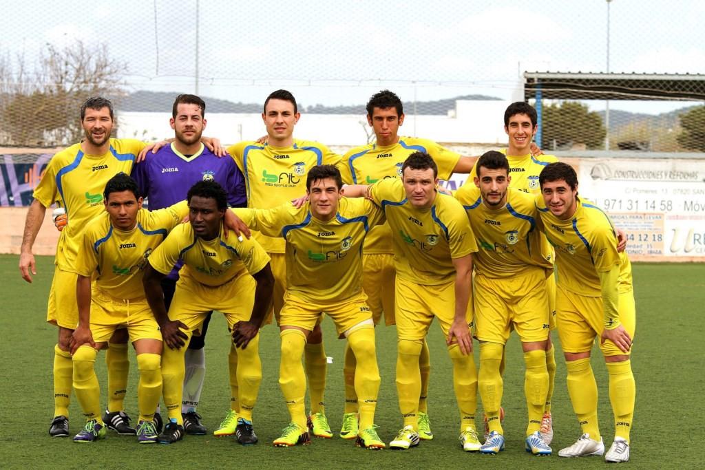 Una alineación del conjunto ibicenco en la temporada 2013-2014.