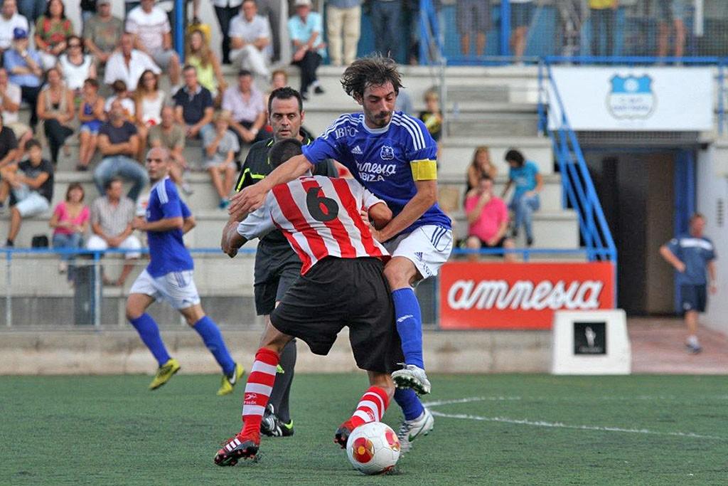 Vicent jugó en el San Rafael durante tres temporadas seguidas antes de recalar en la Peña el curso pasado.