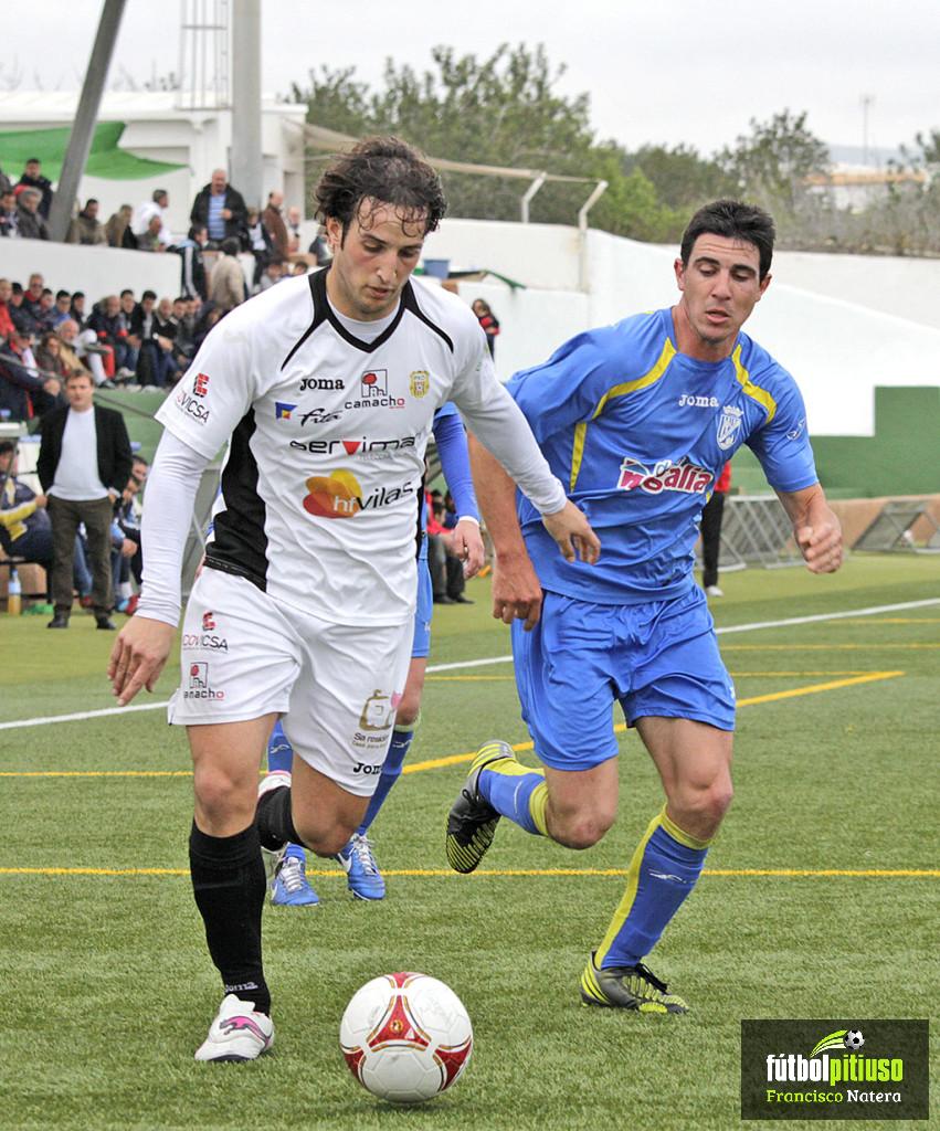 El goleador cántabro se marcha al Eldense de Segunda B.