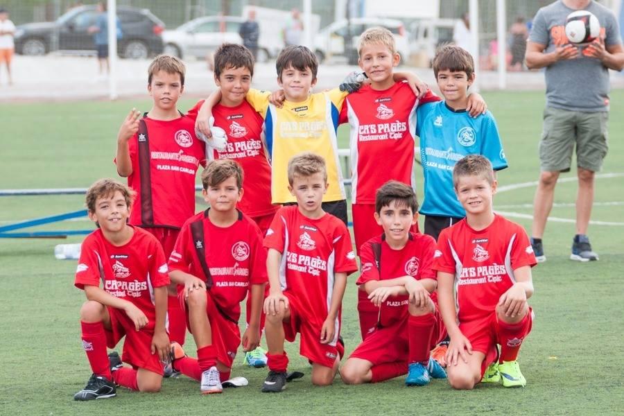 Alineación del equipo alevín que entrena David Marín (Fotos: Alejandro Iborra).