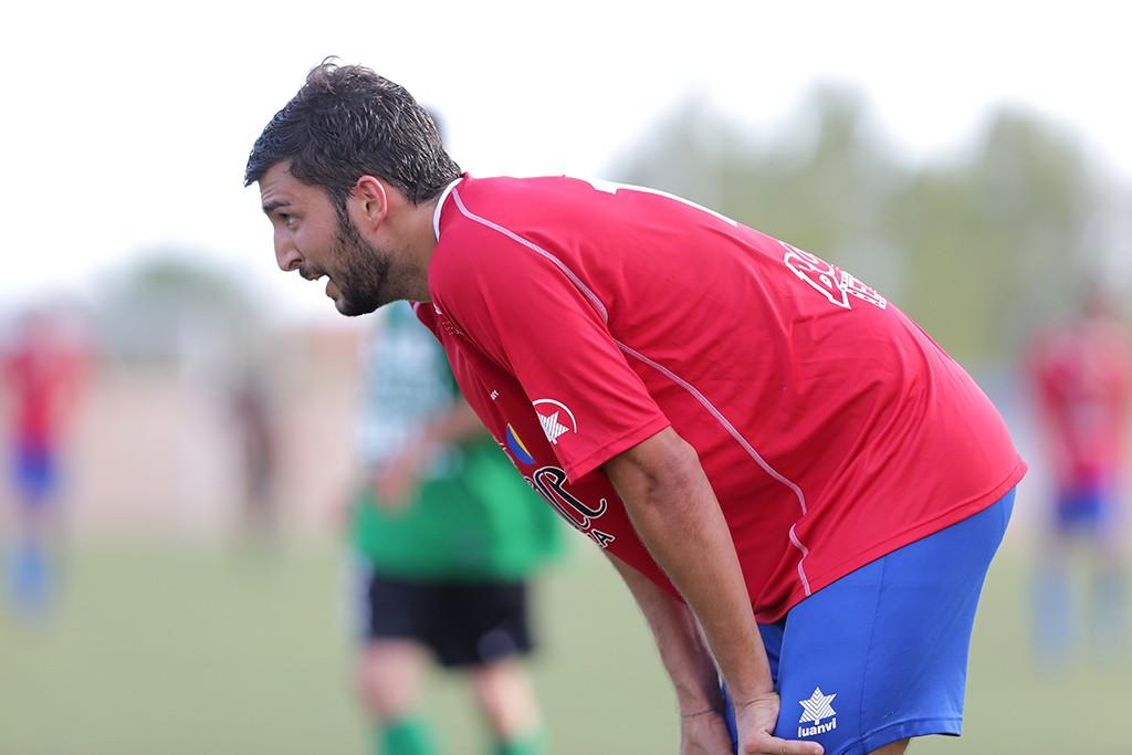 El capitán del bloque portmanyista marcó el primer gol de la temporada en el campo de la Peña.