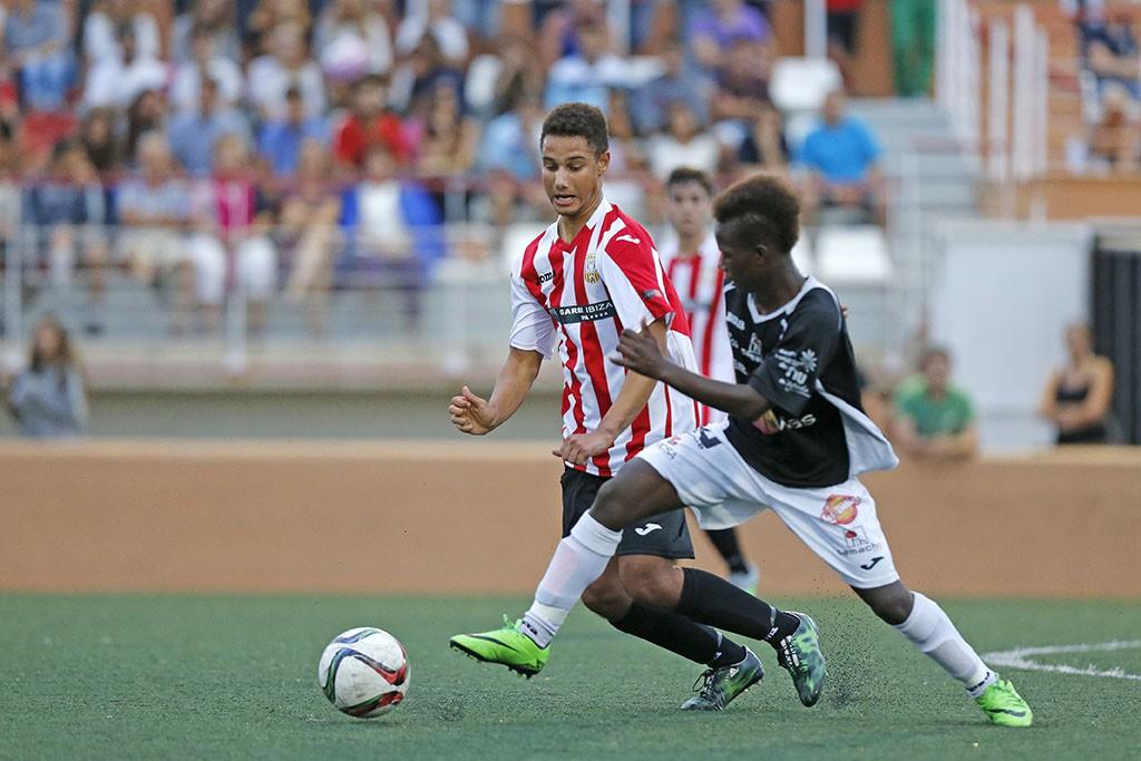El delnatero de la Peña Deportiva ha firmado un ha-trick.