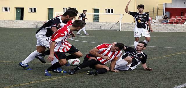 Una acción del partido disputado esta tarde (Foto: Jaume Fiol/deportesmenorca.com)