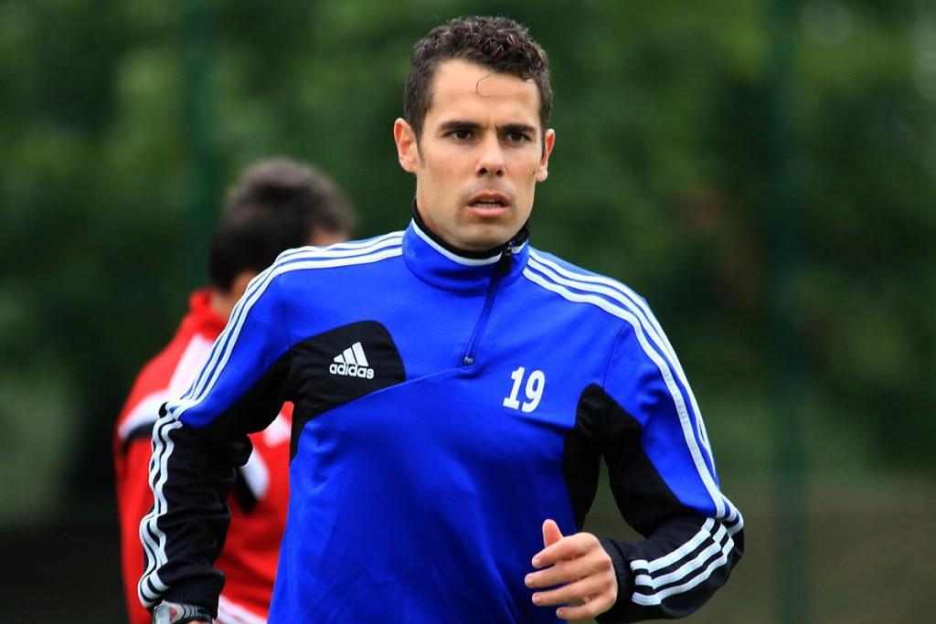 El jugador ibicenco, durante su primer entrenamiento con su nuevo equipo (Foto: Facebook Miedz Legnica).