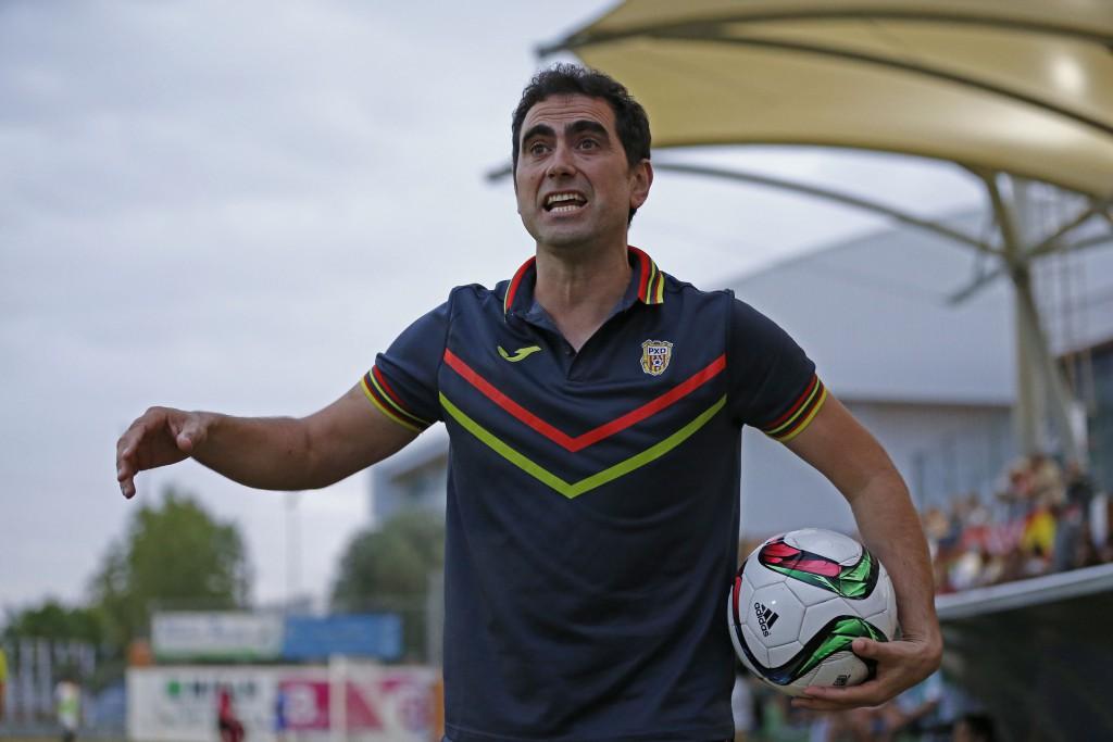 El técnico asturiano de la Peña se mide a su exequipo.