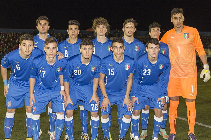 Once titular del combinado italiano sub-16. con el joven portero.