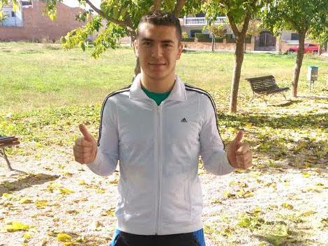 El joven delantero andaluz se muestra agradecido por el trato que le ha dado el San José.