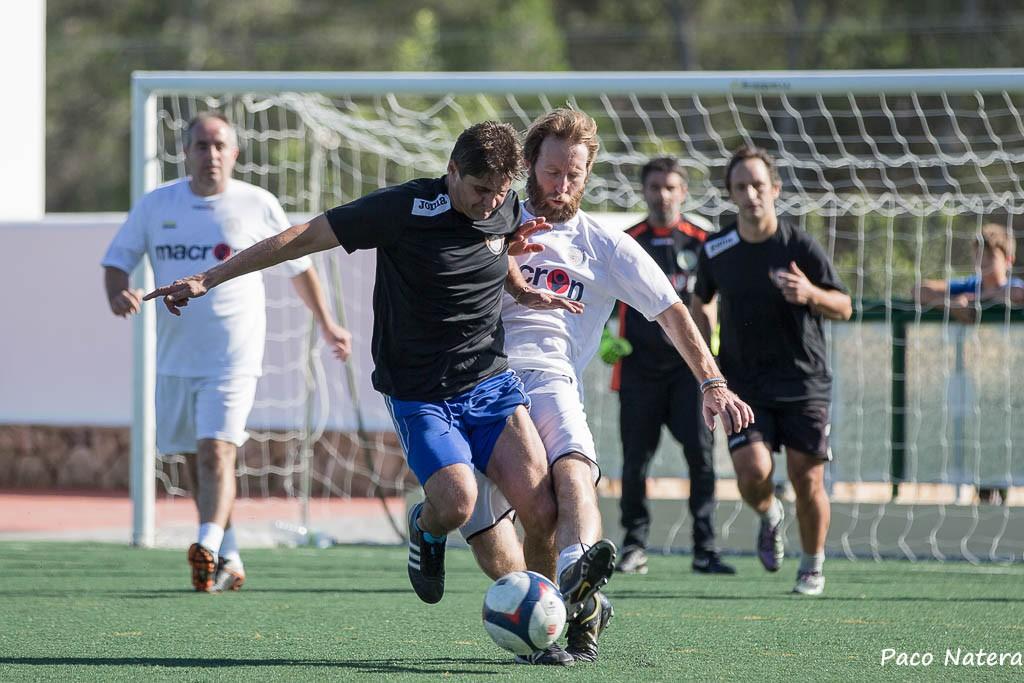 Un lance de la final del toreno de fútbol 7 Veteranos (Fotos: Paco Natera).