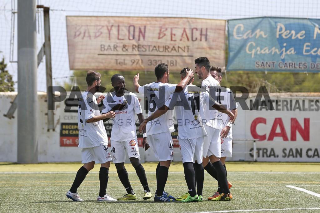 El equipo blanco celebra un gol esta temporada.