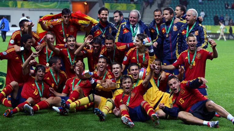 La Rojita celebra el título de campeón de Europa conseguido recientemente.