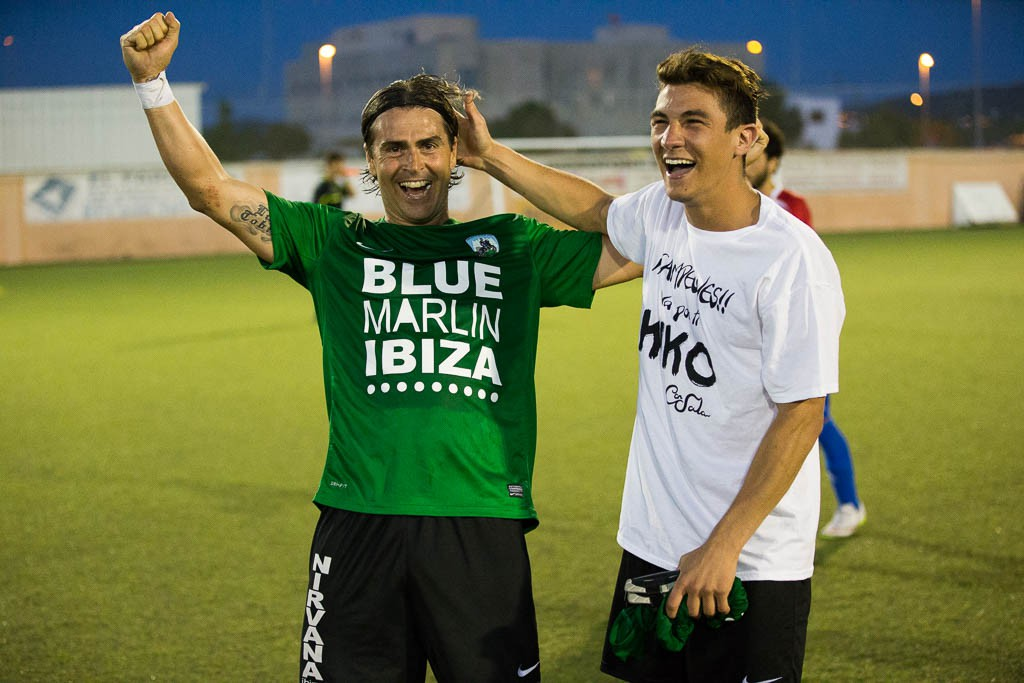 Diego Romero celebra un triunfo con el Sant Jordi.