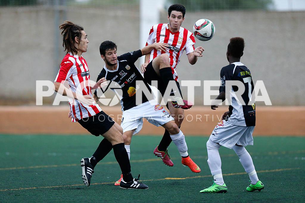 Una acción durante el partido de la primera vuelta.