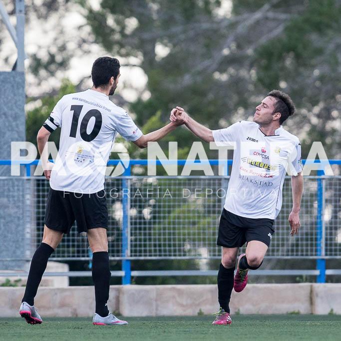David Campas celebra con Borja Pando el gol del empate (1-1).