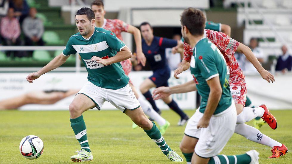 El goleador granadino, en un partido con el Coruxo.