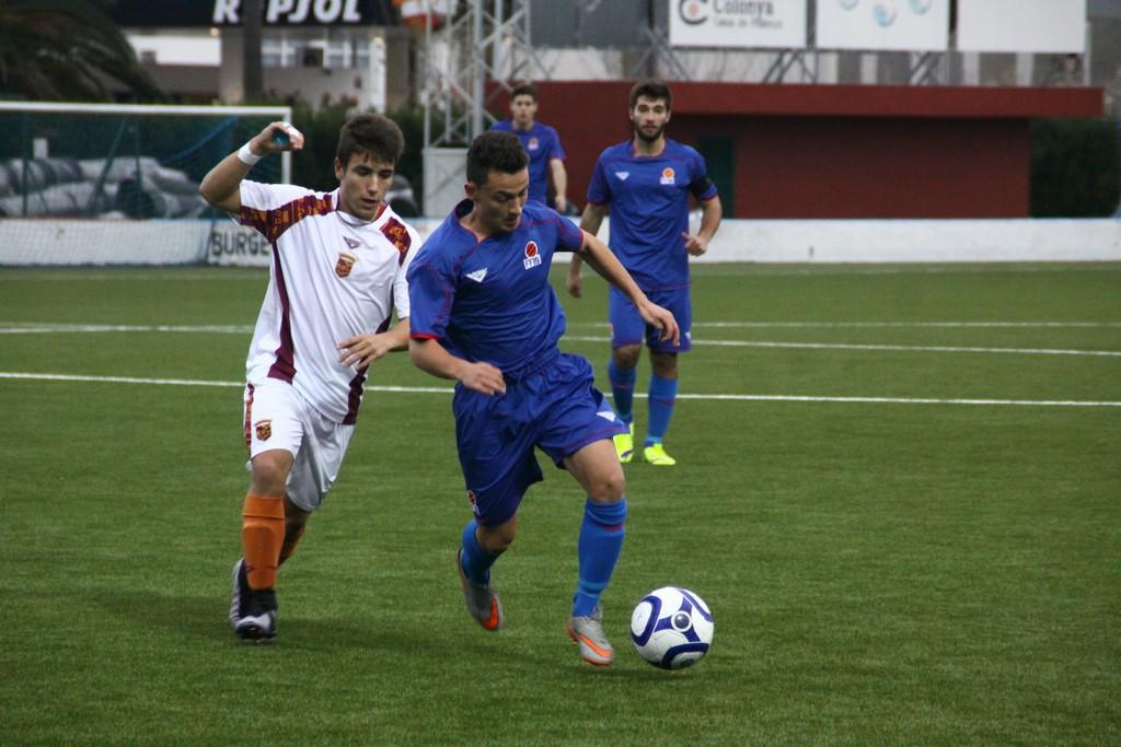 Un lance del partido que han disputado Baleares y Murcia sub-18 (Foto: Fútbol Balear).