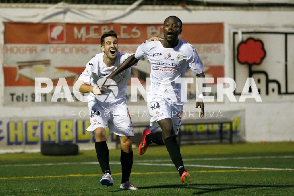 Winde celebra el tanto de la victoria ante el Formentera en el partido de la primera vuelta.