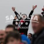 Un hincha del Formentera anima a su equipo.