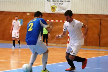 Yuyu, autor de dos goles ante el líder de la categoría.