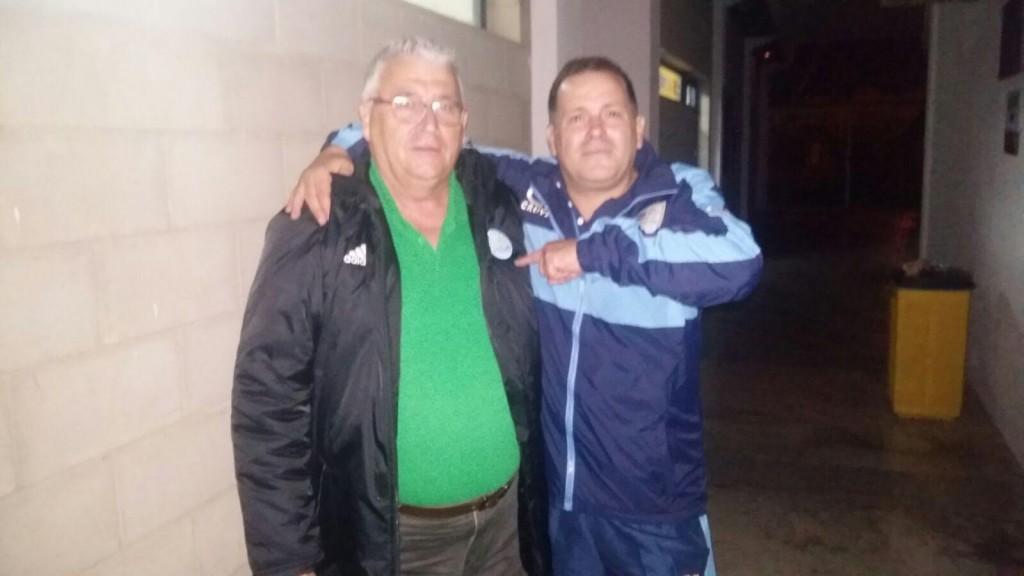 Romero, de la UD Ibiza y Ángel Nadal posan en una foto que puede ser histórica.