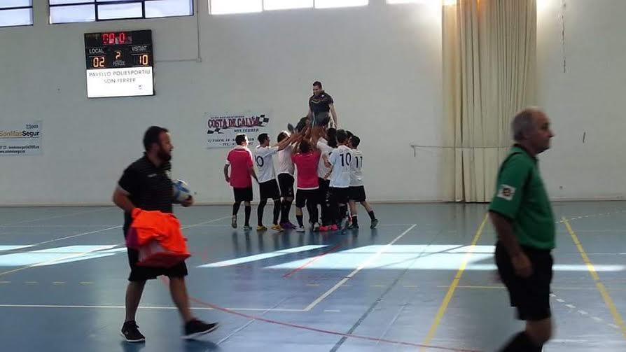 Celebración de la primera Liga de Tercera División en mayo de 2015.