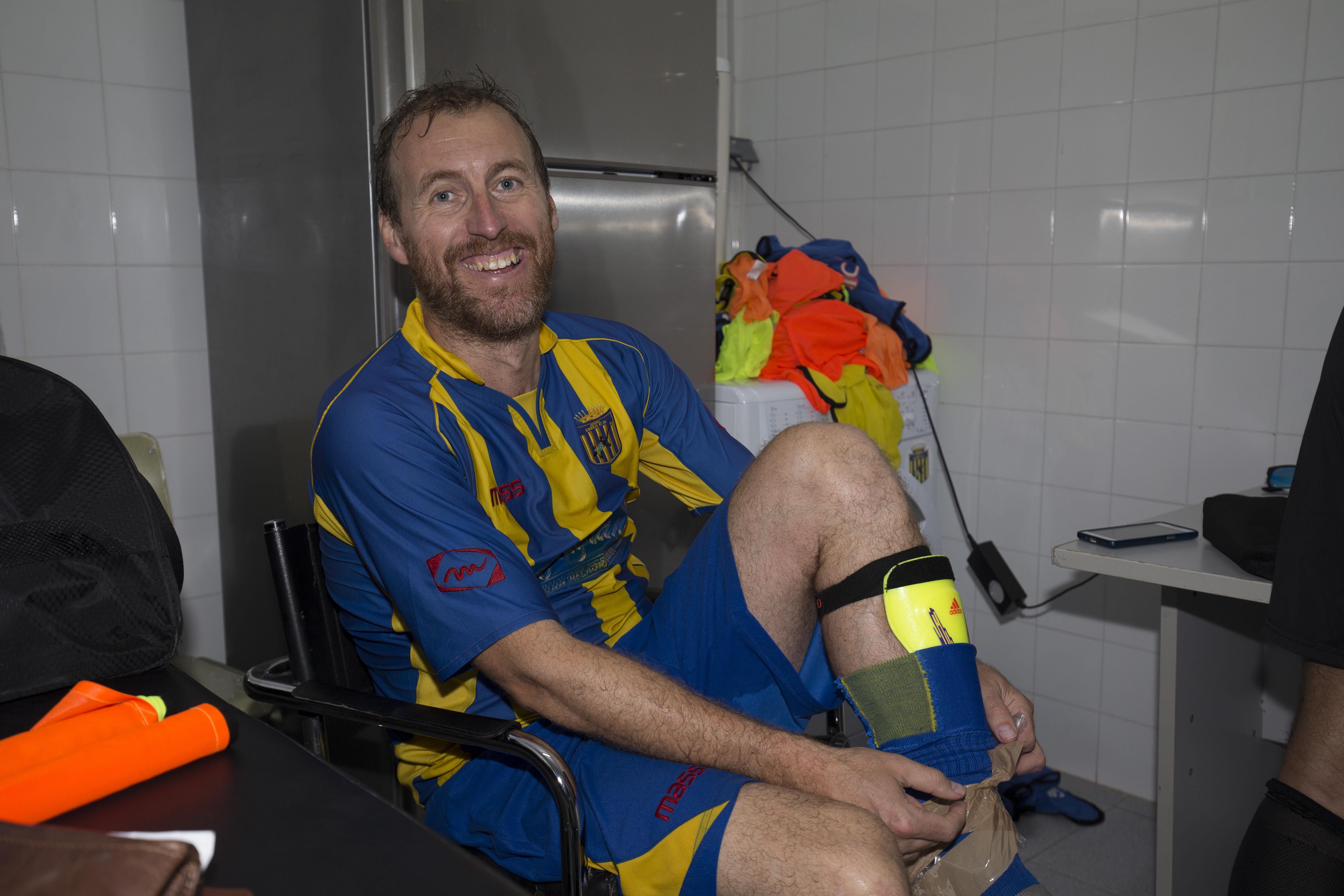 Carlos Fourcade, feliz y contento pese a su grave lesión (Fotos: Paco Natera).