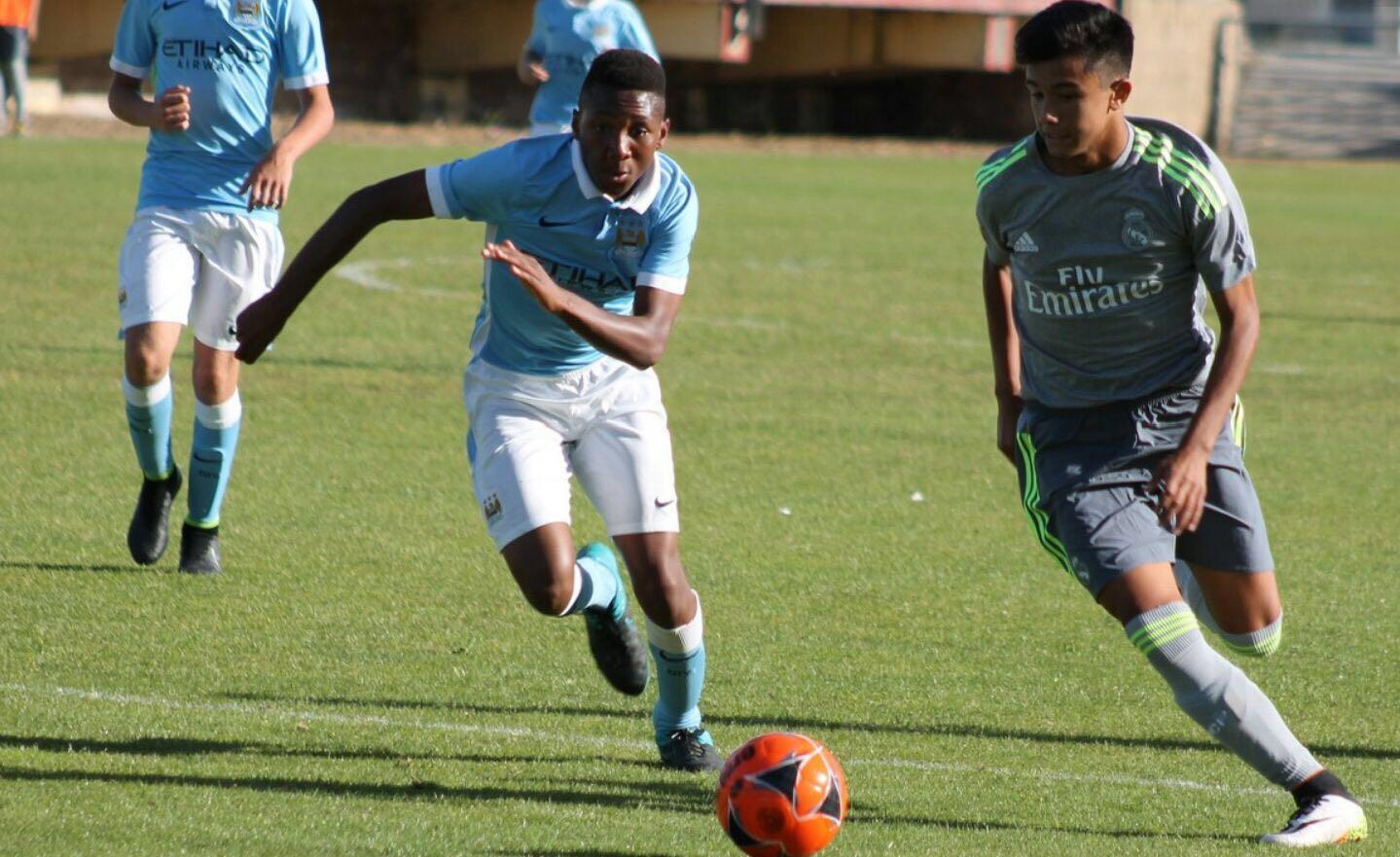 Mario, en uno de los partidos disputados con el Real Madrid (Foto: Fútbol Pitiuso).