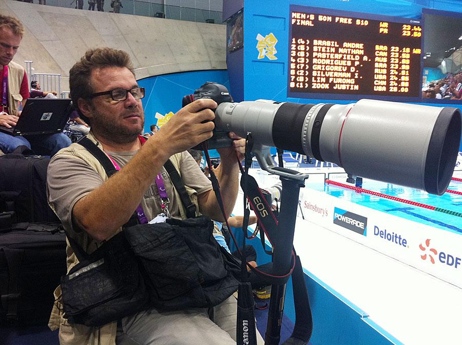 Ramón Navarro, en plena acción en un evento deportivo de nivel internacional.