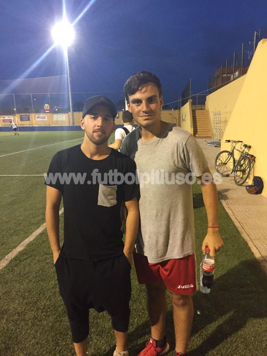 Mertens, centrocampista del Nápoles, también se hizo una foto con el cazacracks.