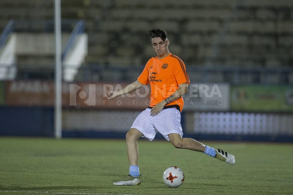 Víctor Sánchez, que ascendió con la Peña a División de Honor la temporada pasada, busca brillar en Can Misses.