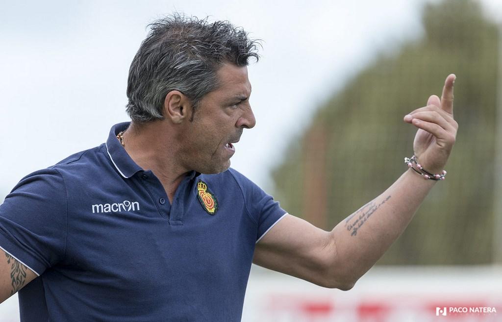 Javier Olaizola dirigió la temporada pasada al Mallorca, pero fue destituido.